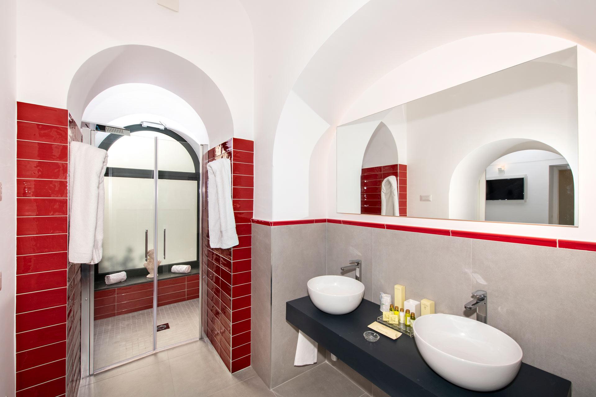 Bathroom, Apartment Room | Hotel Savoia